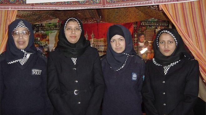 89902367_hijab