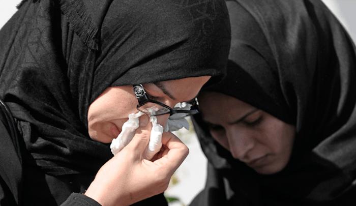 muslim-women-crying