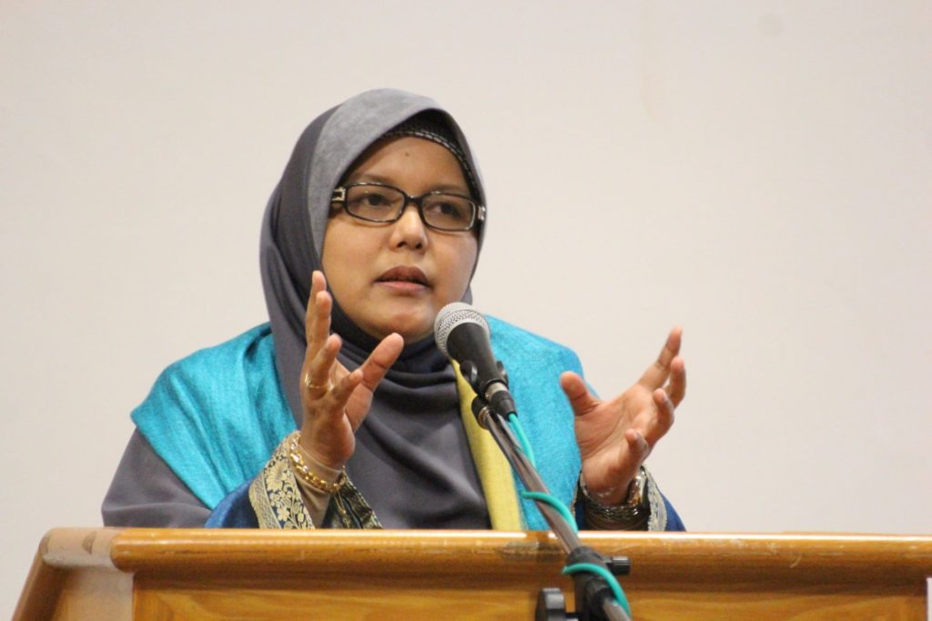 Beauty and the Beast: LPF, autoriti Malaysia mesti tegas, bukan lesu ikut telunjuk LGBT