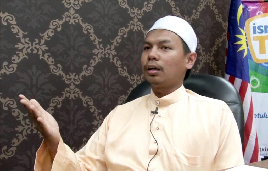 Kita baca Al-Quran, atau Al-Quran yang sedang membaca kita?