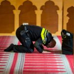 Polis wanita muslim Netherlands mungkin dibenar pakai tudung kepala