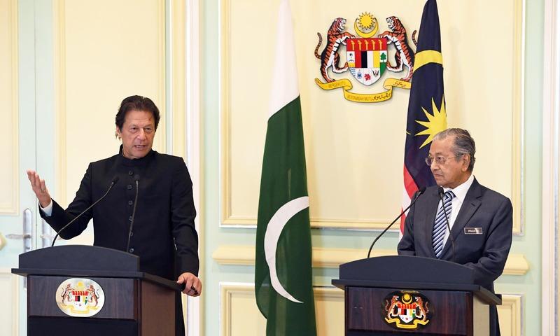 Malaysia dan negara Islam lain perlu berusaha untuk setanding dengan negara maju: Tun Mahathir