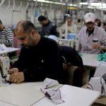 COVID-19: Kilang pakaian Gaza kini jadi pengeluar topeng muka